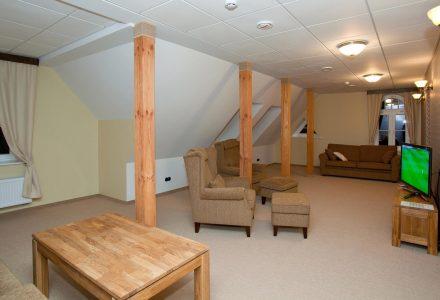 Sviidi avar ja hubane elutuba |Hotell Räpina
